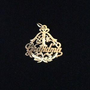 Jewelry - 💕NWOT💕 #1 GRANDMA 14K YELLOW GOLD PENDANT